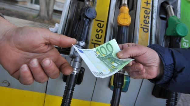 benzina, prezzi, Calabria, Archivio