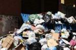 Raccolta rifiuti, ostacoli in vista: operai ancora mobilitati a Vibo Valentia