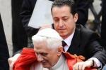 """Benedetto XVI """"grazia"""" Paolo Gabriele"""