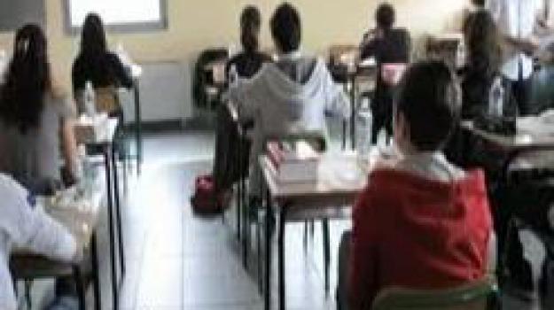 barcellona, lipari, scuola, violenza su alunni, Messina, Sicilia, Archivio