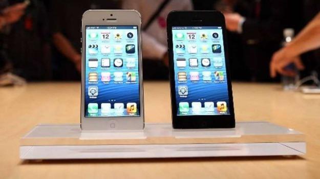 apple, iphone mini, Sicilia, Archivio, Cronaca
