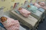 Donna dà alla luce sei gemelli