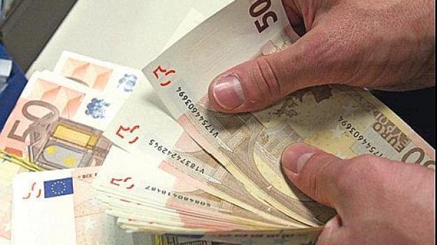 busate paga italia, buste paga calabria, stipendio medio calabria, Calabria, Economia