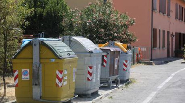 conferisce rifiuti fuori orario, sindaco villabate, Sicilia, Archivio