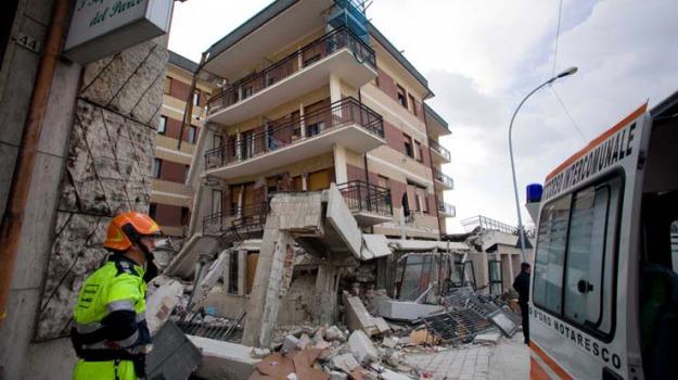 casalesi, l'aquila, terremoto, Sicilia, Archivio, Cronaca