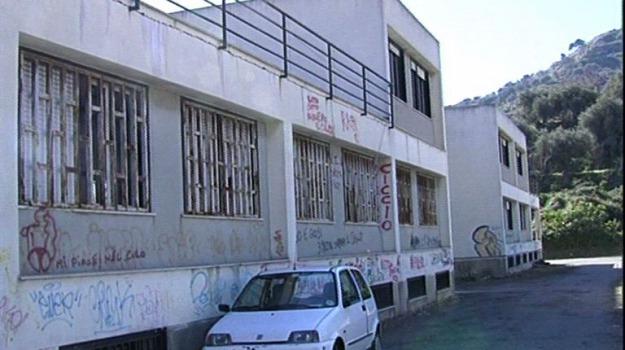scuola la pira, Messina, Archivio
