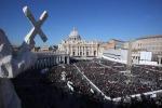 """Il Papa all'ultima udienza """"Non abbandono la Croce"""""""