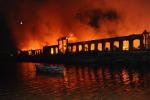"""Brucia la """"Città della Scienza"""", danni ingenti"""
