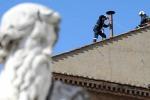 Conclave da martedì, 'Due fumate al giorno'