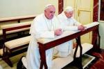 Lo storico incontro tra Francesco e Ratzinger