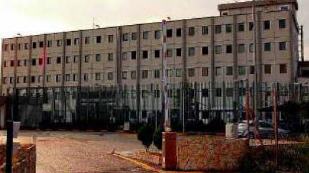 detenuto morto, Cosenza, Calabria, Archivio