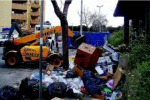 L'affaire rifiuti in Calabria, impianti saturi e obsoleti: raccolta in tilt a Catanzaro e Vibo