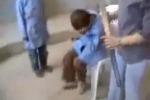 Due bambini picchiati a morte in una scuola