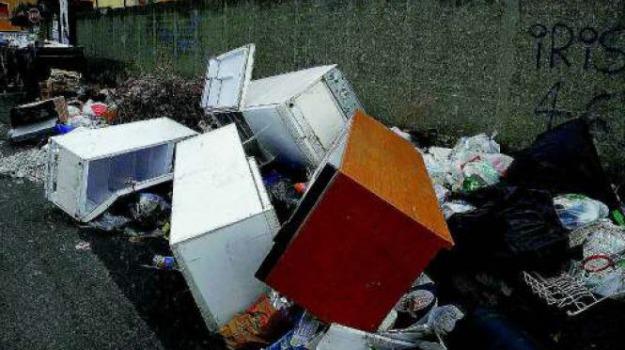 emergenza rifiuti, sambatello, Reggio, Calabria, Archivio