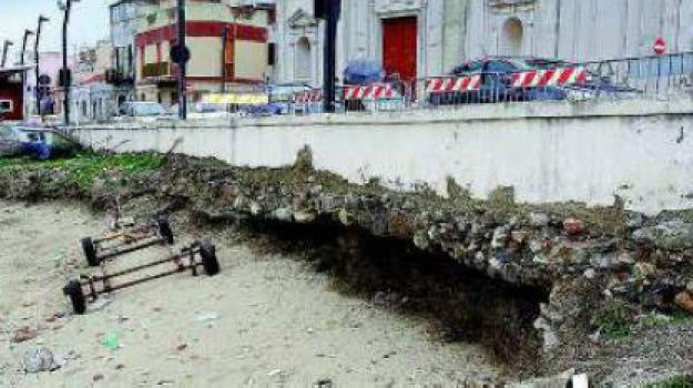 erosione costa, torre faro, Messina, Archivio