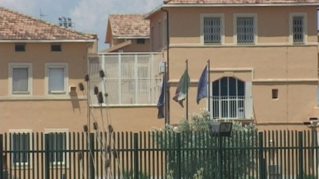 aggressione detenuto, cosenza, Cosenza, Calabria, Cronaca