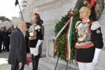 25 aprile, Napolitano all'altare della Patria