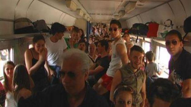 castiglione cosentino, paola, protesta, stazione treni, Cosenza, Calabria, Archivio
