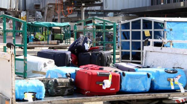 furti nei bagagli, Catanzaro, Calabria, Archivio