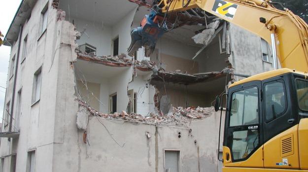 abusi edilizi, messina, Messina, Archivio
