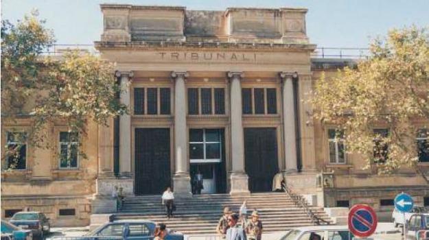 rapinatore Reggio, rom, tribunale reggio, Reggio, Calabria, Cronaca