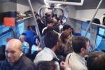 Assalto ai treni Napoli-Calabria, pesanti disagi