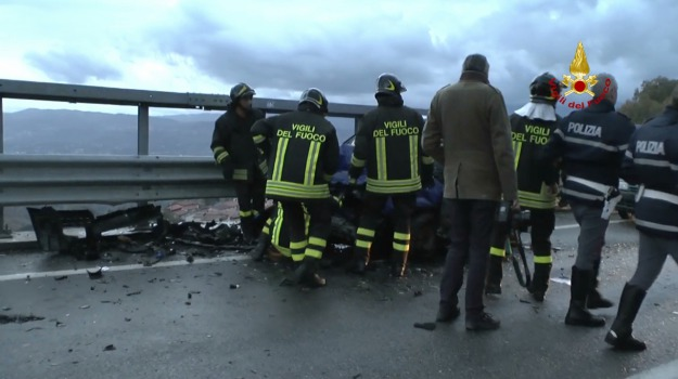 incidente stradale, polstrada, san pietro in guarano, ss 107, tre feriti, Calabria, Archivio