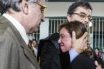 Condanna per i medici assolti agenti e infermieri