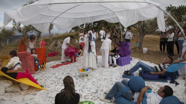 antonio presti, fiumara d'arte, piramide, piramide 38° parallelo, rito della luce, tusa, Sicilia, Cultura