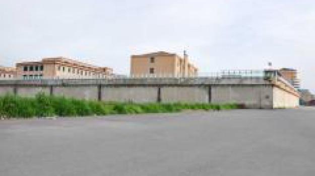 biblioteca, carcere, cosenza, Cosenza, Archivio