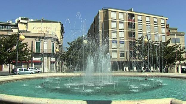 parcheggio, stazione di messina, Messina, Archivio