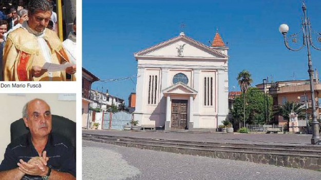 parroco in vacanza, Catanzaro, Calabria, Archivio