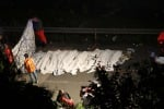 Bus vola dal viadotto 38 morti, 10 feriti