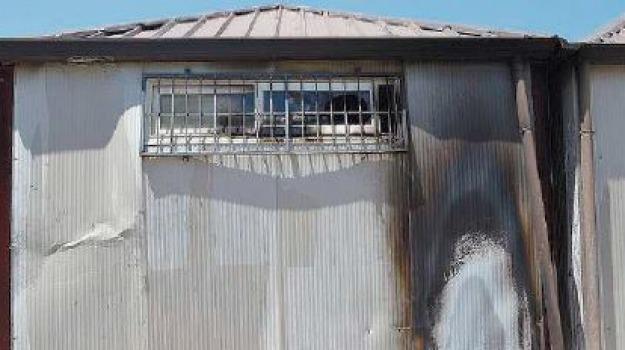 negozio in fiamme a tropea, Catanzaro, Calabria, Archivio
