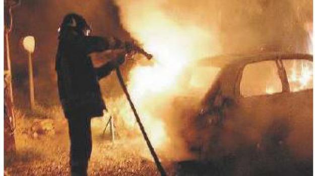 auto in fiamme, Catanzaro, Calabria, Archivio