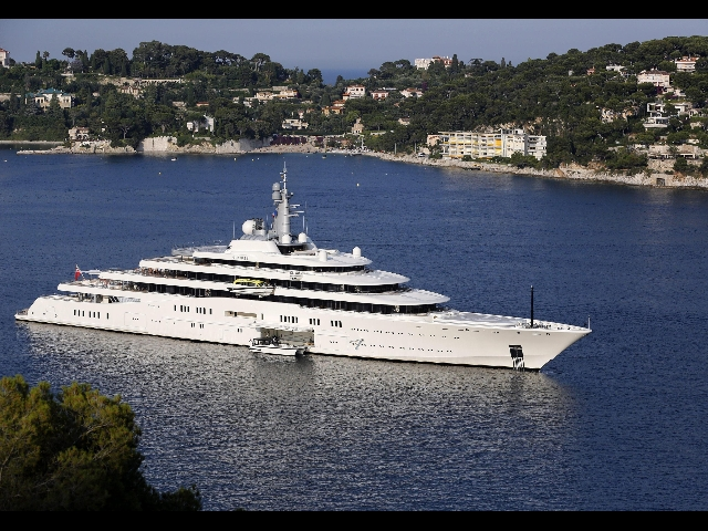 Luxury yacht \u0027hijacked\u0027 by researchers off Italian coast