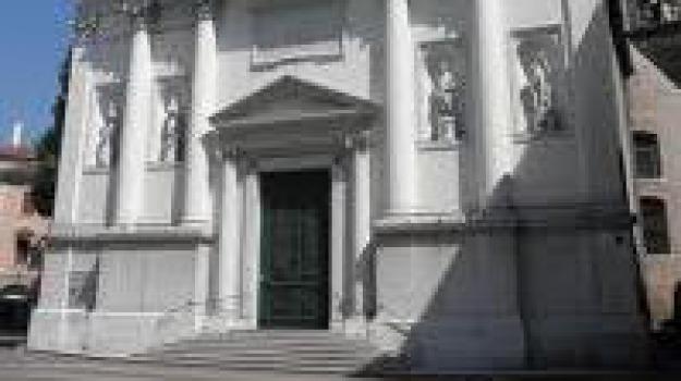 buttafuori contro accattoni, Sicilia, Archivio, Cronaca