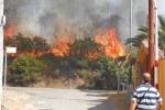 Sardegna in fiamme evacuate abitazioni