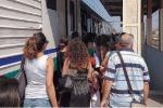 Treno Reggio-Roma bloccato con 400 persone a bordo