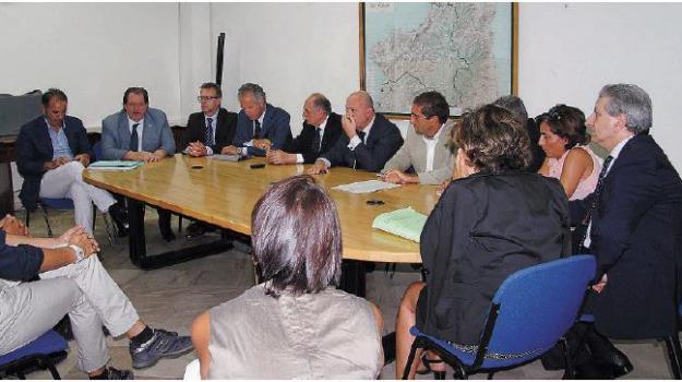 stabilimento eni, Catanzaro, Calabria, Archivio