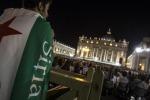 Francesco per la pace migliaia a veglia col Papa