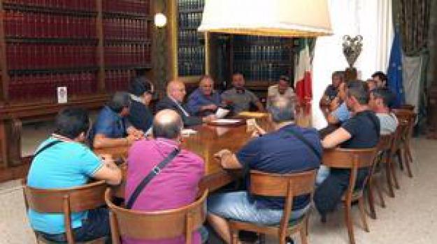 lavoratori mobilità in deroga, oliverio, provincia, Cosenza, Calabria, Archivio