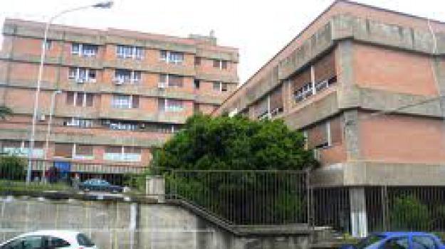 cardiologia chiuso, ospedale trebisacce, Anna Milieni, Antonio Adduci, Franco Gallicchio, Cosenza, Calabria, Cronaca