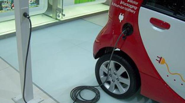 auto elettrica investe turista, panarea, Messina, Sicilia, Archivio