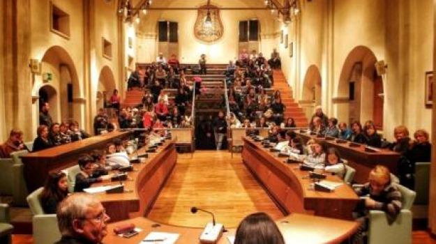 associazione insieme, baby sindaco, consiglio comunale, rossano, scuole, Sicilia, Archivio
