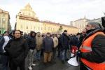 Scontri e caos a Torino lacrimogeni sul corteo