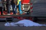Fabbrica in fiamme 5 morti a Prato