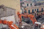 Giampilieri: si abbattono edifici per il canale