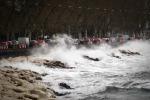 Calabria sferzata da vento e mareggiate