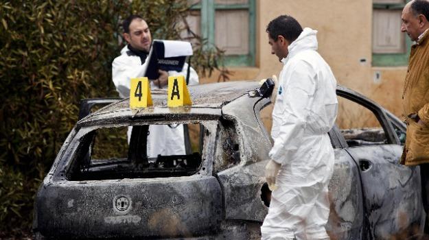 autopsia, cadaveri carbonizzati, Calabria, Archivio